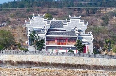 湘潭副市长被曝建500平别墅 称系兄弟姐妹合建