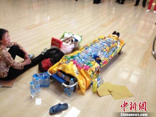 哈尔滨一女子医院坠楼 半小时无人抢救身亡