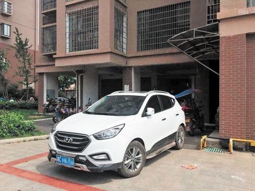 吞噬了湖南湘潭4岁男童生命的白色越野车